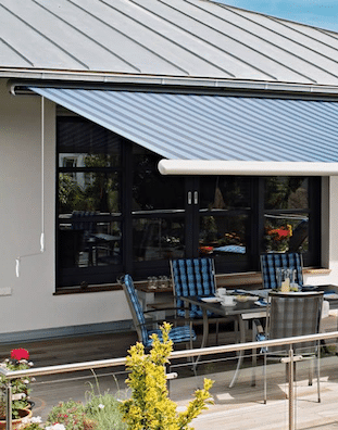 Awning with Manual Winding Handle