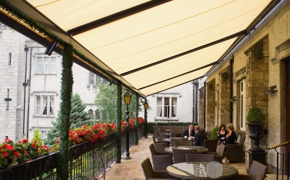 Weinor Plaza Pro Fabric Roof Terrace Commercial Awning